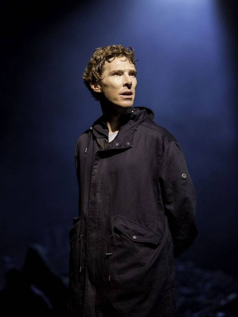 Cumberbatch-Hamlet3