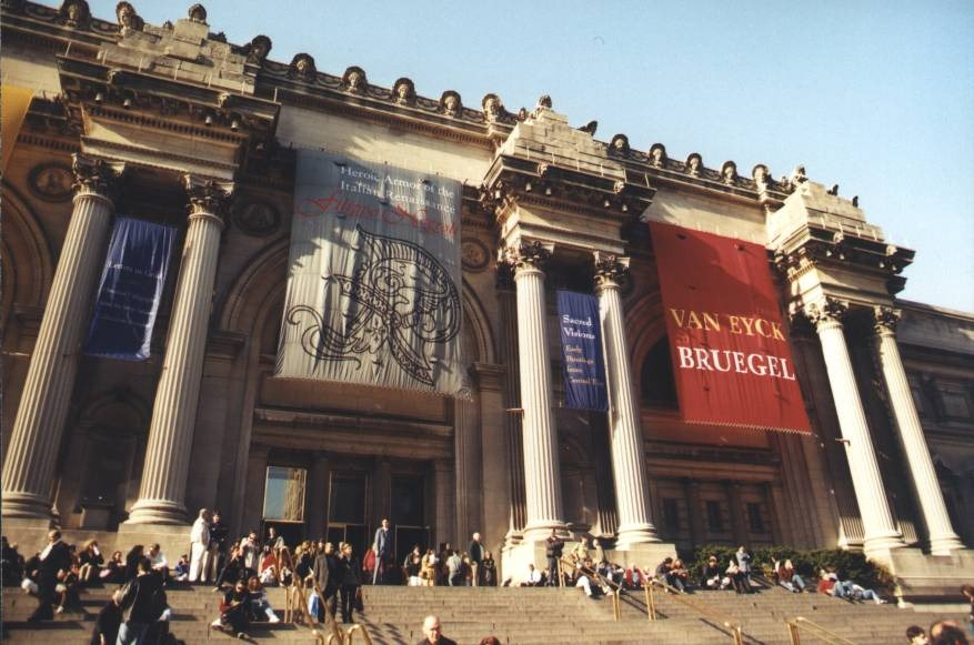 Metropolitan-Museum-of-Art-Ten-Tourist-Spots-in-New-York-City