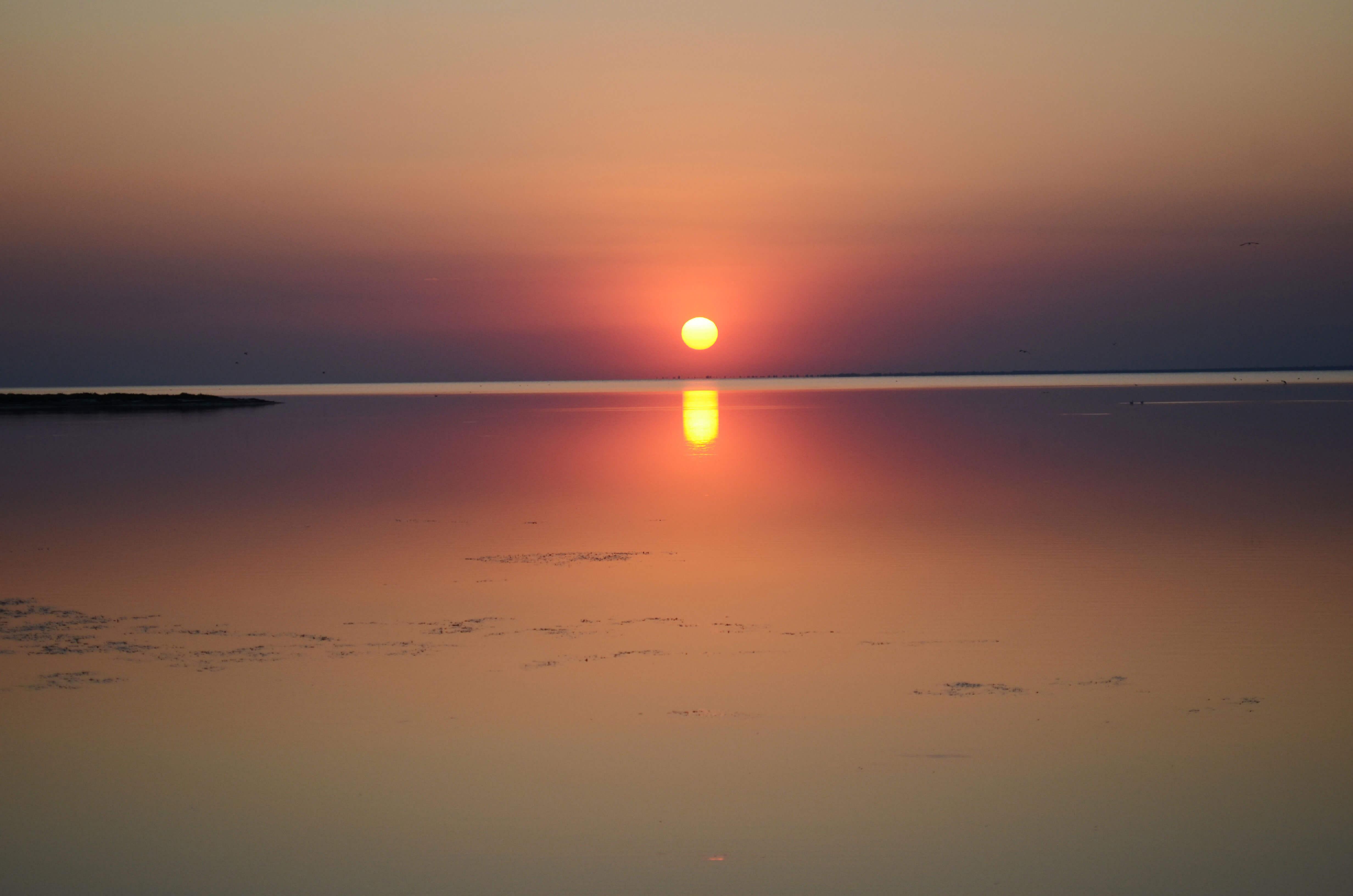 Закат на полуострове Бирючий (Херсонская область)