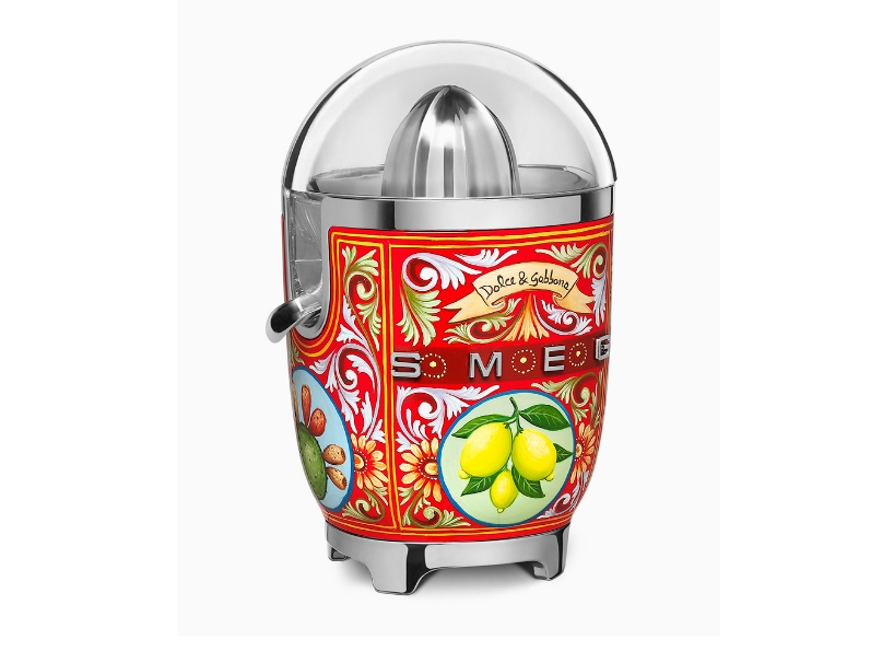 dolce-gabbana-smeg-toaster-juicer-coffee-machine-blenders-milan-design-week-2017-designboom-06