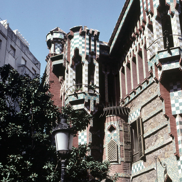 SPAIN - CIRCA 1883:  Barcelona (Spain). The Casa Vicens (1883-1885), by the architect Antonio Gaud? y Cornet (1852-1926).  (Photo by Lipnitzki/Roger Viollet/Getty Images)
