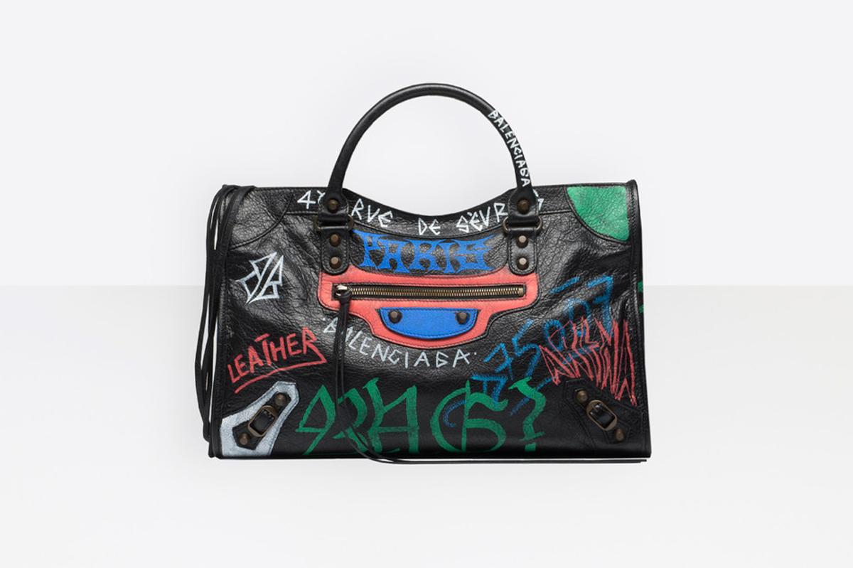 balenciaga-graffiti-luggage-buy-01