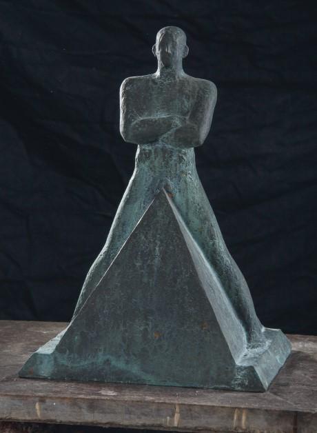 Піраміда, бронза, h — 45 см, 1999