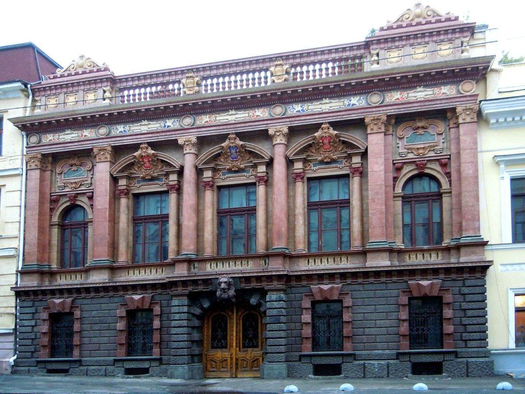 Картинная галерея семьи Толстых (сейчас Дом ученых)