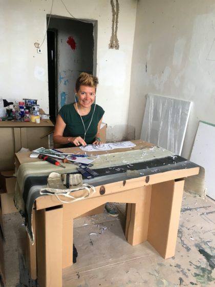Альбіна Ялоза за роботою на резиденції BIRUCHIY