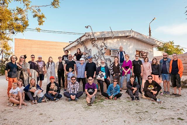 Учасники проекту на резиденції BIRUCHIY в Україні (півострів Бирючий, Херсонська область)